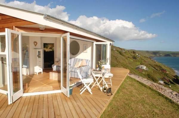 Esta increíble pequeña Casa realmente es GIGANTE desde el Interior