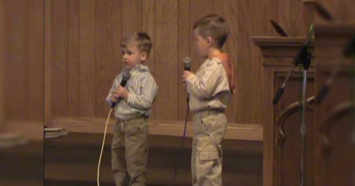 Cuando este pequeño comenzó a cantar mii corazón se derritió al instante