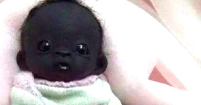 bebe negro con la piel mas oscura del mundo