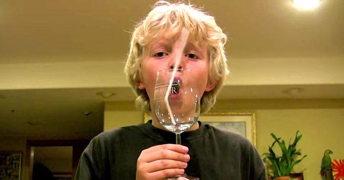 Romper copa de cristal con la voz