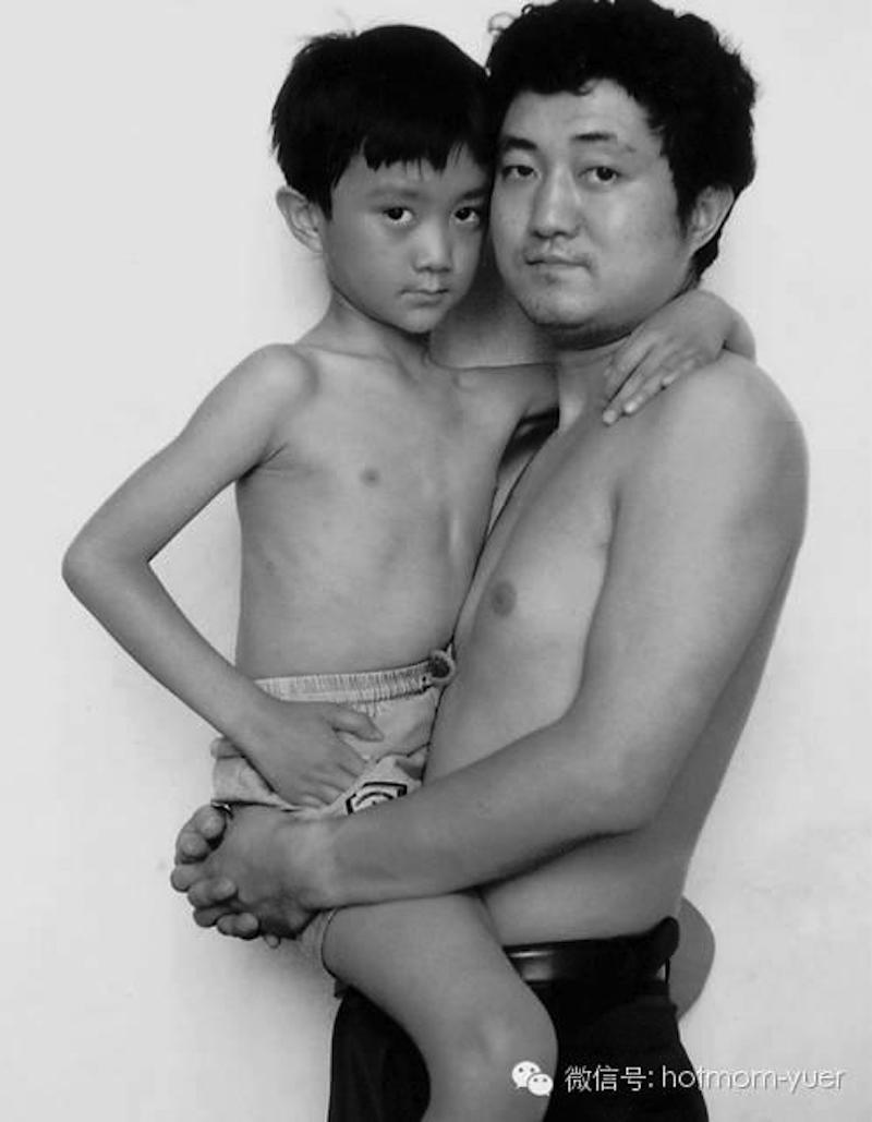 Padre e hijo hacen la misma foto durante 27 años08