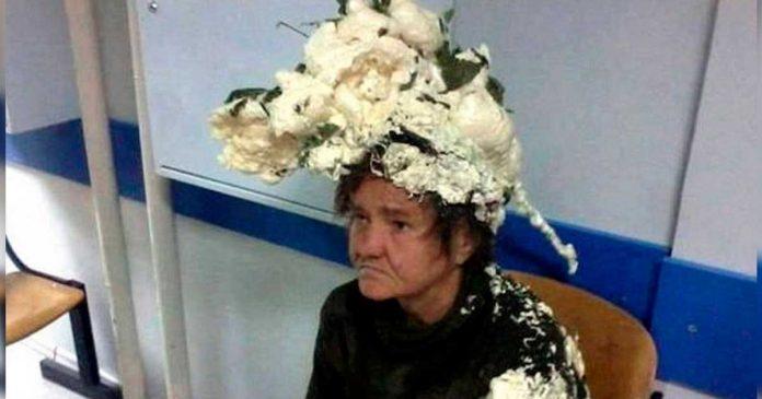 Acabo en el Hospital al confundir la espuma expansiva con espuma del pelo
