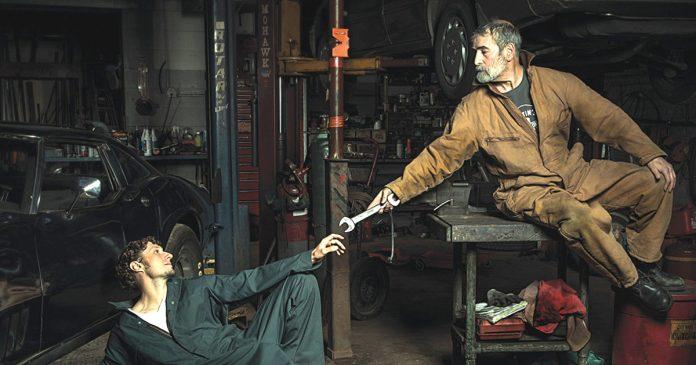 Mecanicos divertidos recrean obras renacimiento banner