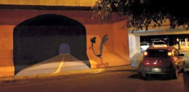 Empotra su Coche contra un Túnel Pintado en la Pared