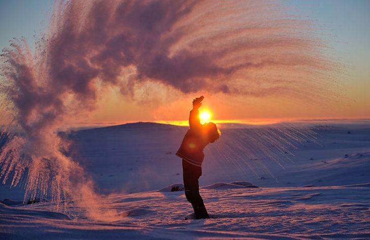 Lanzar te caliente en el circulo polar artico 02
