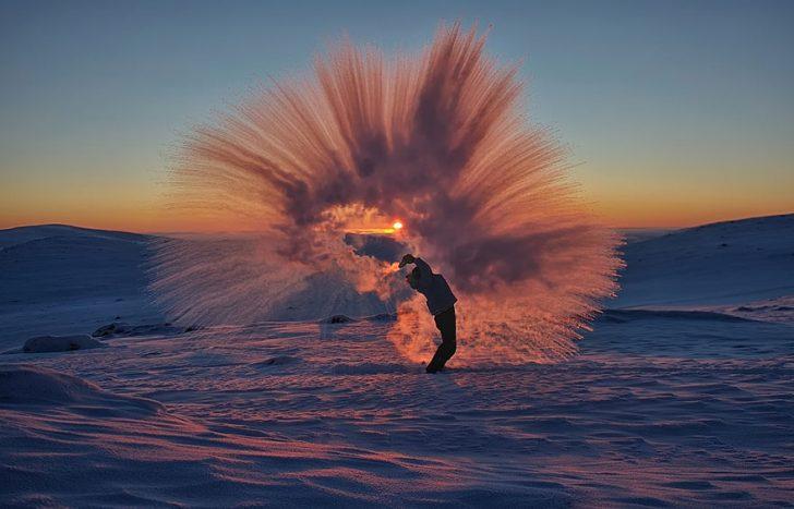 Lanzar te caliente en el circulo polar artico 03