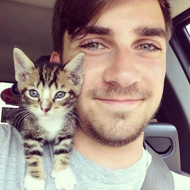 Chicos Sexys con gatitos es todo lo que necesitas ahora miauismo 06