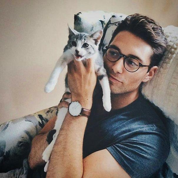 Chicos Sexys con gatitos es todo lo que necesitas ahora miauismo 10