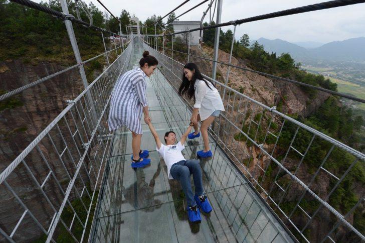 El puente de cristal mas largo del mundo 04