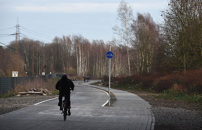 La primera autopista para bicicletas del mundo en alemania 01
