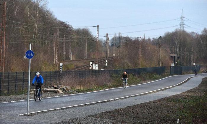 La primera autopista para bicicletas del mundo en alemania 04