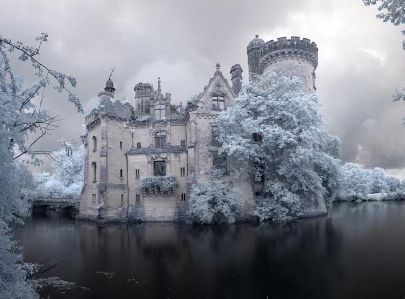 Este Castillo olvidado fue abandonado despues de un terrible incendio en 1932 01