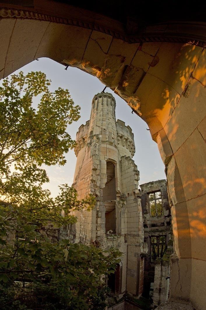 Este Castillo olvidado fue abandonado despues de un terrible incendio en 1932 07