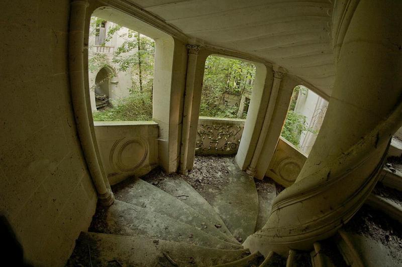 Este Castillo olvidado fue abandonado despues de un terrible incendio en 1932 08