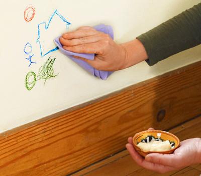 Extendió una cucharada de mayonesa sobre la mesa - Estos fantásticos trucos te van a encantar