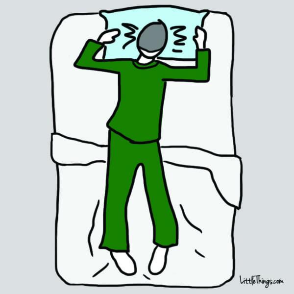 La mayoria de Personas duermen con esta Postura y estan SUFRIENDO por ello 01