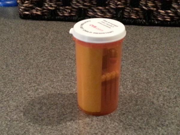 Puede parecer un simple frasco de pastilla, pero lo que hay en su interior puede salvarte la vida 14