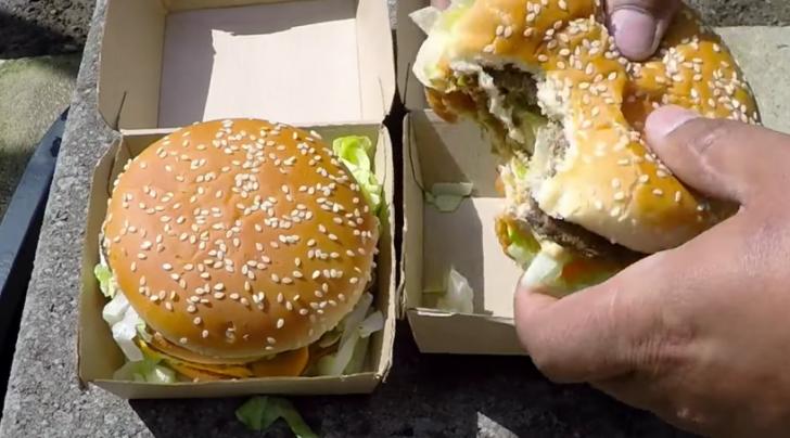 Esto es lo que ocurre cuando Viertes Cobre Fundido sobre una Hamburguesa del McDonalds