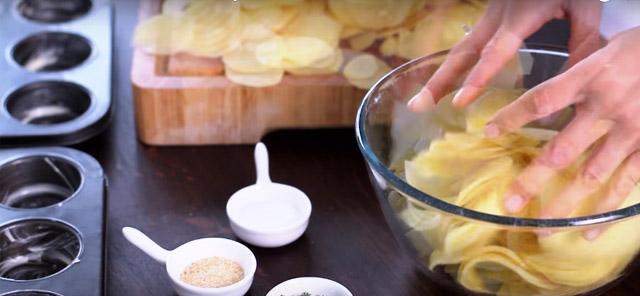 Empezó con una simple Patata... Pero lo que hace a continuación ¡Te hará ir Corriendo a la Cocina!