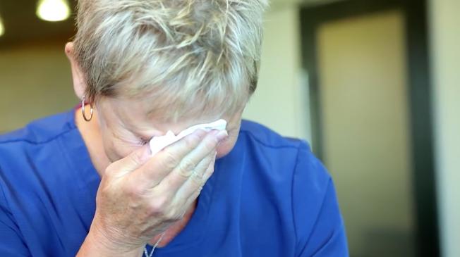 Esta Enfermera Neonatal se reúne con todos los Bebés que ha salvado... Y el momento es muy Emotivo