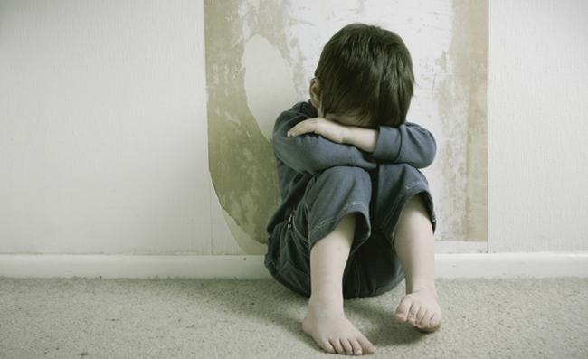 Esta adolescente NO pudo creer lo que le enseno este nino Lo que hizo le salvo la vida 05