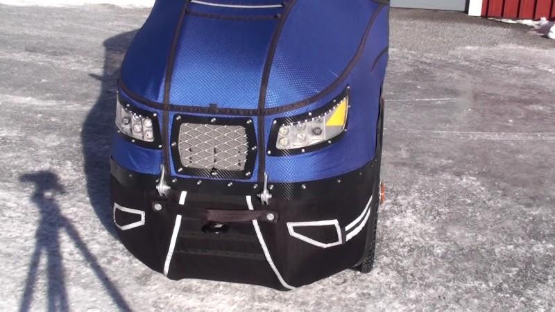 Parece un coche en miniatura 10