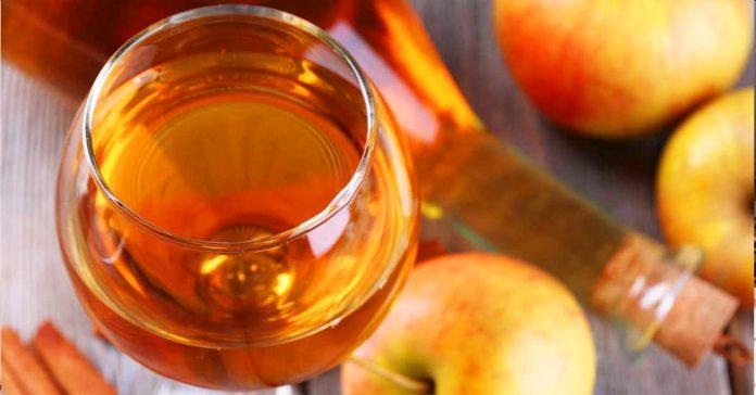 Agrega un poco de vinagre de manzana al agua que bebes... Esto es lo que ocurre banner