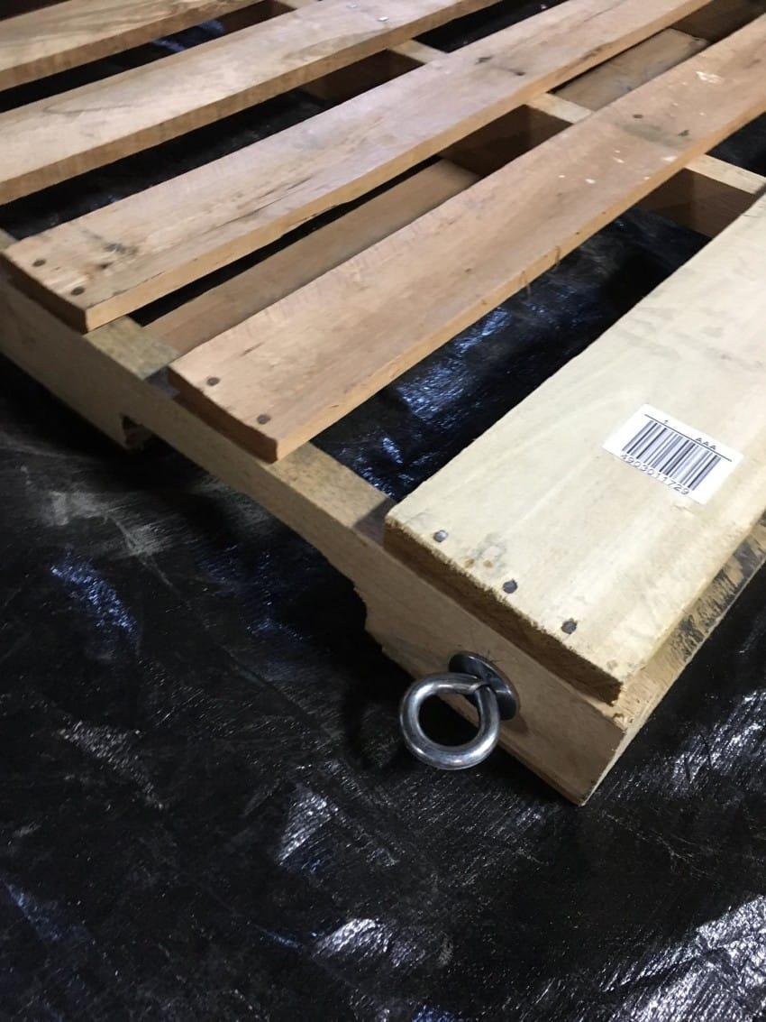 Transforma fácilmente un palé de madera en un columpio para el árbol