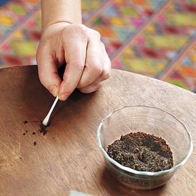 En lugar de tirar el café, deberías colocarlo en una sartén y hacer ESTO