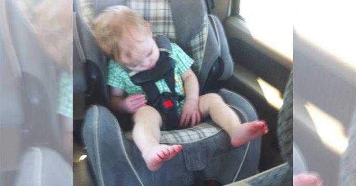 Esta madre coloco mal a su bebe en el asiento del coche y pago el precio... Te ensenamos a hacerlo de forma correcta banner