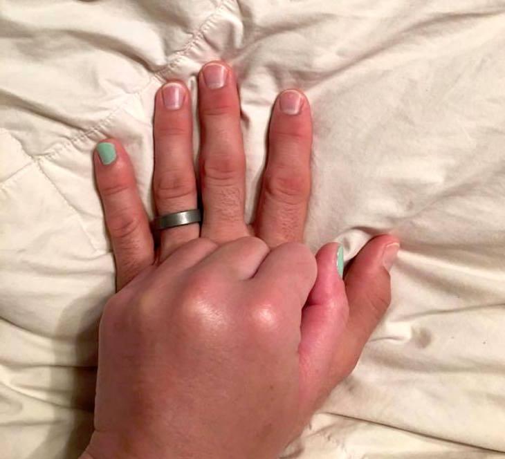 Le pidió a su mujer que se pintara la uña del dedo meñique. Su razón te cautivará
