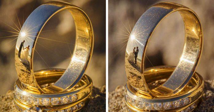 Saco una fotografia de los anillos de boda de una pareja banner