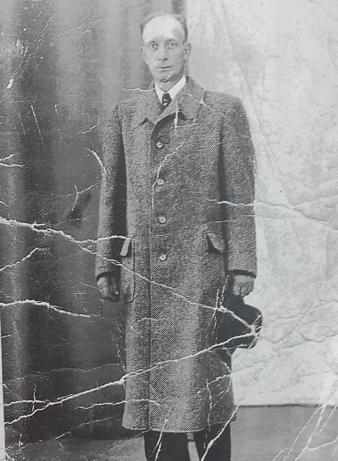 Un superviviente del Holocausto encontro estas viejas fotografias 02