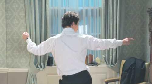 100 escenas de baile de películas reunidas en un solo vídeo