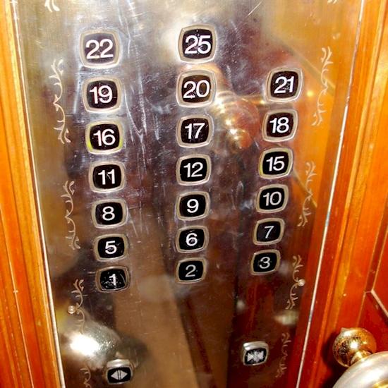 25 de las supersticiones más extrañas de todo el mundo