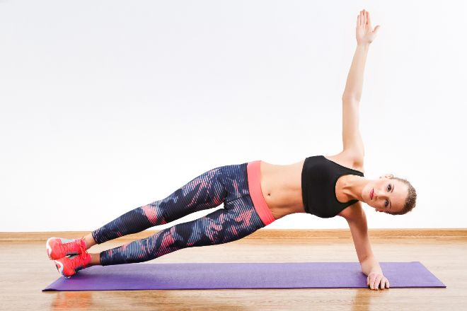 5 ejercicios increiblemente faciles para eliminar la grasa de tus michelines 02