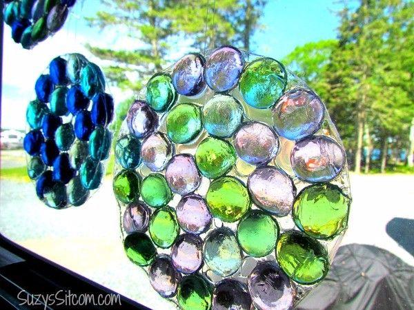 Cómo crear unos colectores de sol con unas gemas y pegamento