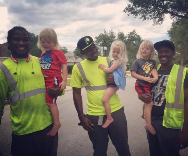 Encontro al hombre de la basura haciendo ESTO con sus hijos 06