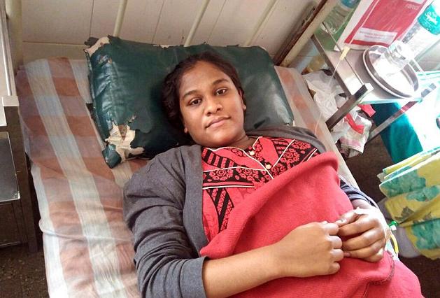 Una mujer india se viraliza al dar a luz al bebé más grande del mundo