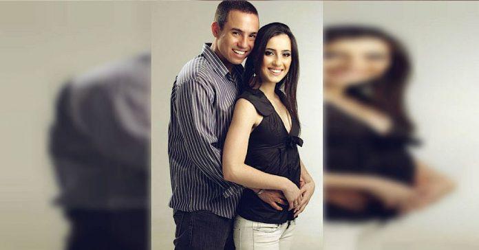 Su mujer murio en un accidente de trafico recogio la foto de su boda banner2
