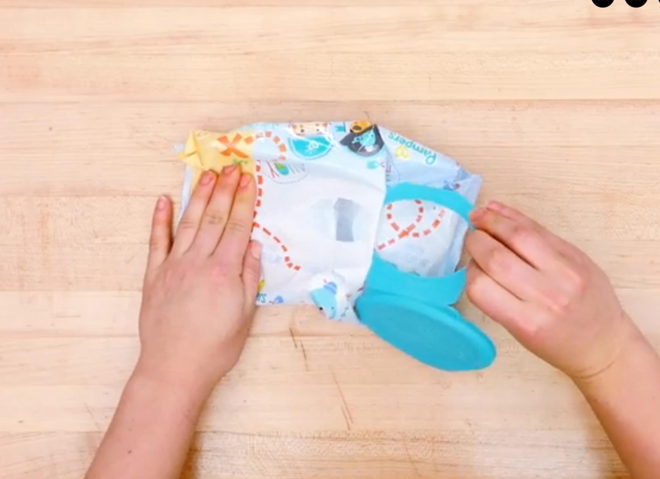 Tira de la tapa y da un giro radical a los paquetes de toallitas en 5 pasos
