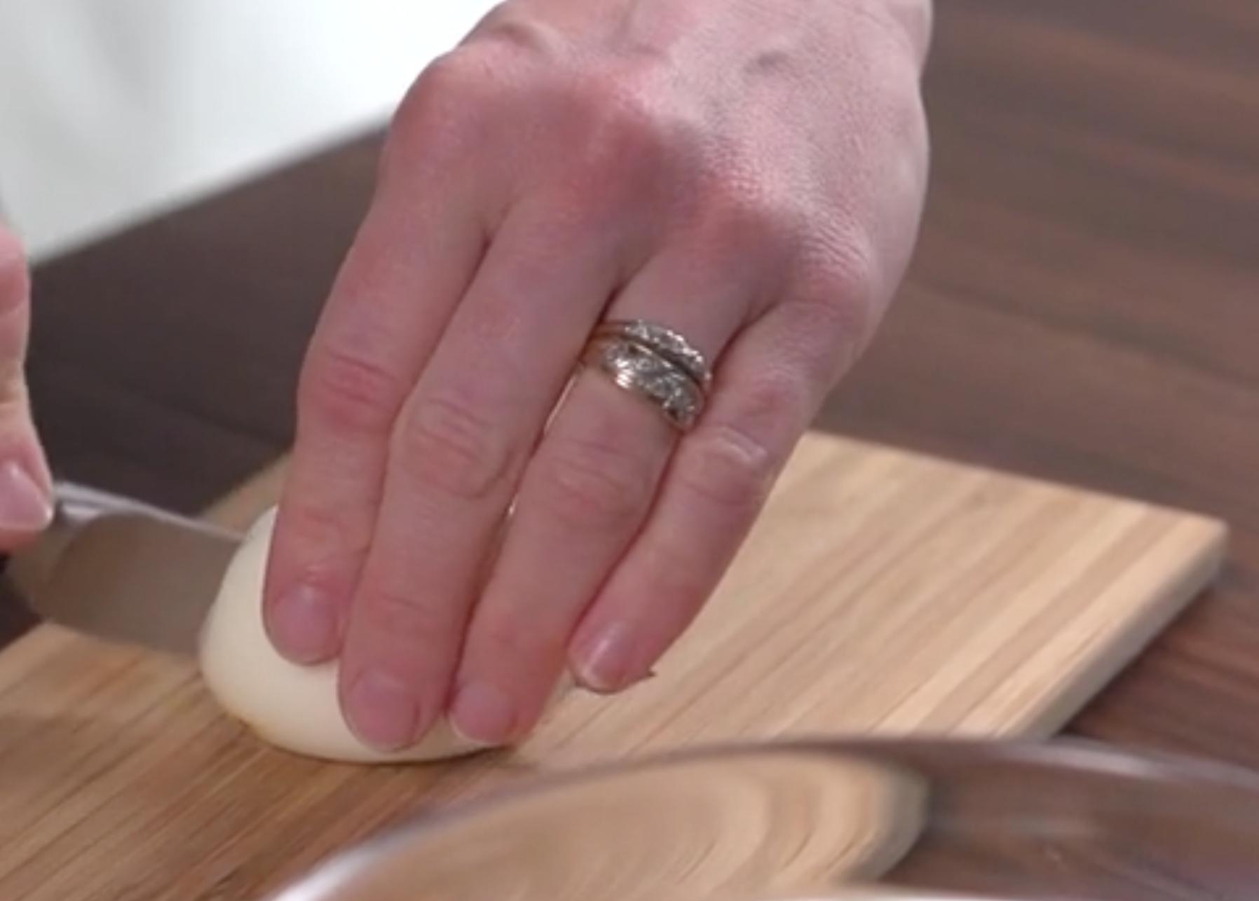 Cómo preparar huevos rellenos de guacamole, la receta ideal para este verano