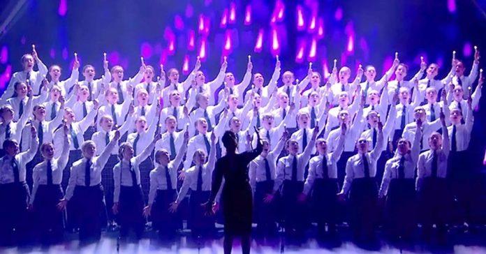 performanceschoolgirls1