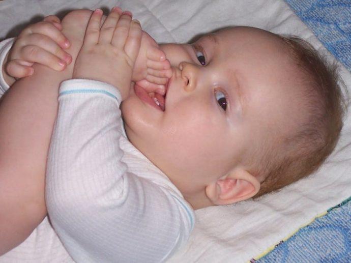 10 Factores de riesgo en los bebés recién nacidos y la influencia de las cunas en el síndrome de la cabeza plana