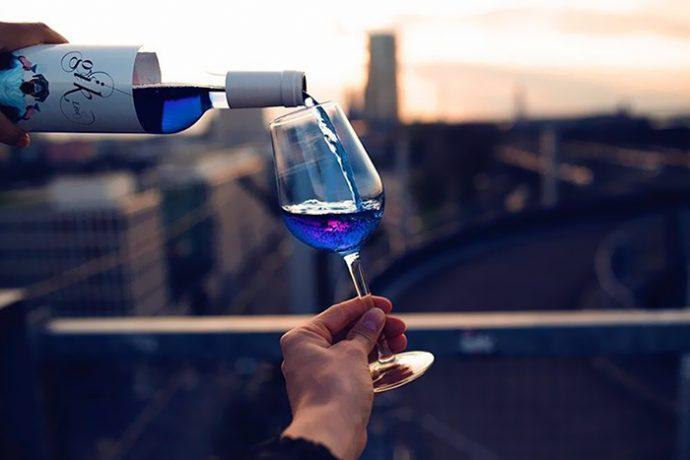 El Vino azul se ha convertido en una realidad ¿No te gustaría probarlo?