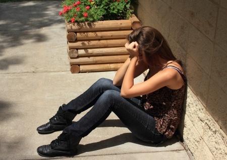 Una chica de 19 años se encontraba llorando tras perder a sus padres en un accidente, pero luego algo maravilloso sucedió.