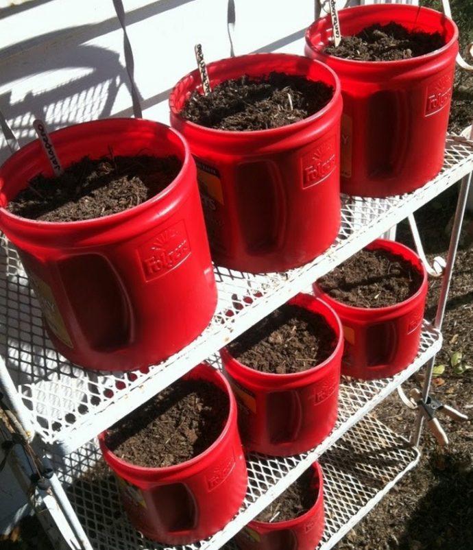11 Brillantes ideas para reciclar y transformar los botes de plástico para café