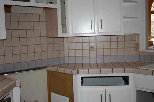 Una chica harta de su encimera da un giro radical a su cocina compartiéndolo en imágenes