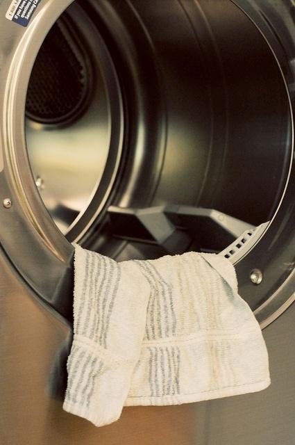 10 Fantásticos trucos para que tu ropa esté siempre perfecta y tu lavadora impoluta