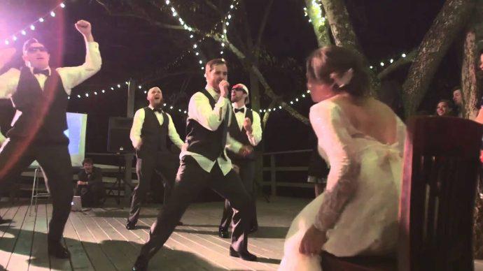 El padre de la novia le dio la mejor sorpresa posible durante el baile de su boda